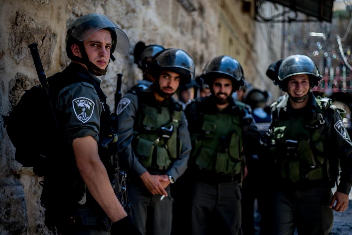 Dzielnica Muzułmańska. W tej części Jerozolimy dochodziło do największej ilości krzyków i zamieszek. Tego dnia, w pobliżu stacjonowania patrolu postrzelono reportera CNN.