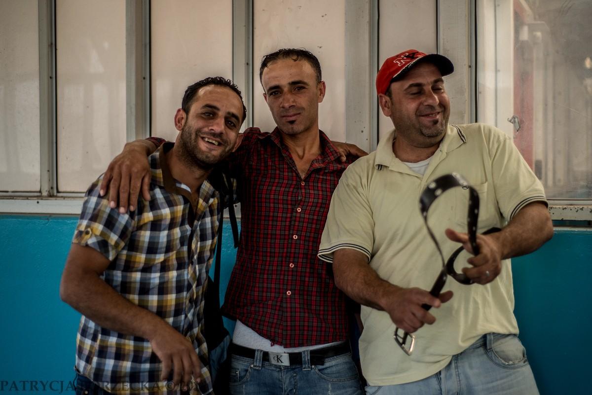 Nie była to jedyna taka sytuacja. Palestyńczycy naprawdę lubią fotografować się przy check pointach.