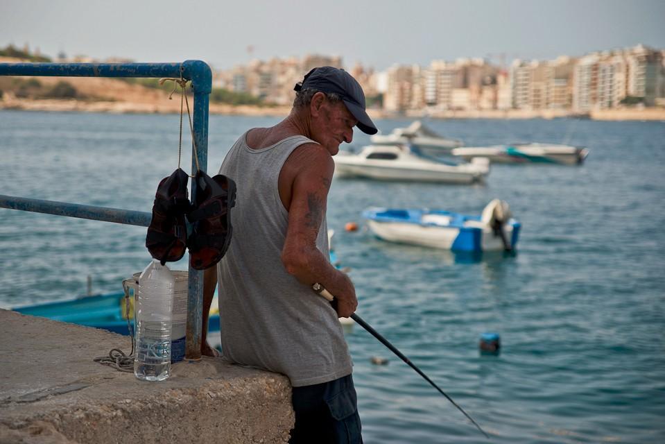 Morze towarzyszy Maltańczykom od ich najmłodszych lat aż po te najstarsze. Tak właśnie żyją. Ot, ich codzienność.
