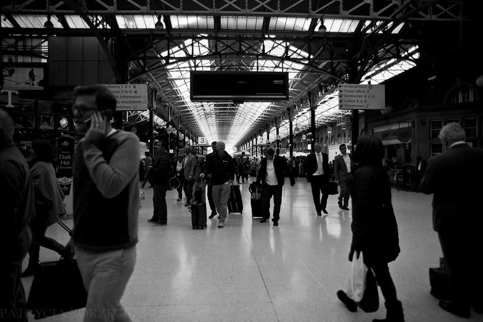 Godzina 13:13. Liverpool Street Station. Idealne miejsc przesiadkowe dla wszystkich destynacji do których nie da się dojechać metrem.