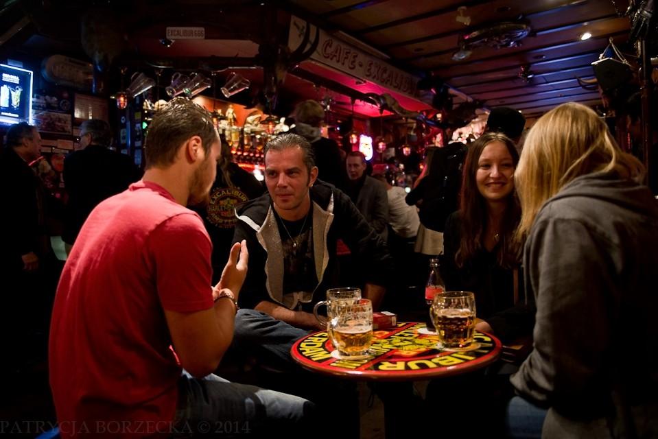 Excalibur Bar. Najsłynniejszy pub motocyklowy w Amsterdamie, a także clubhouse holenderskiego chapteru Hells Angels.