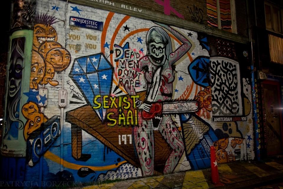 """Przykład innego graffiti z podpisem """"Amsterdam loves you"""". Ciężko uwierzyć, że można coś takiego stworzyć bez użycia środków odurzających."""