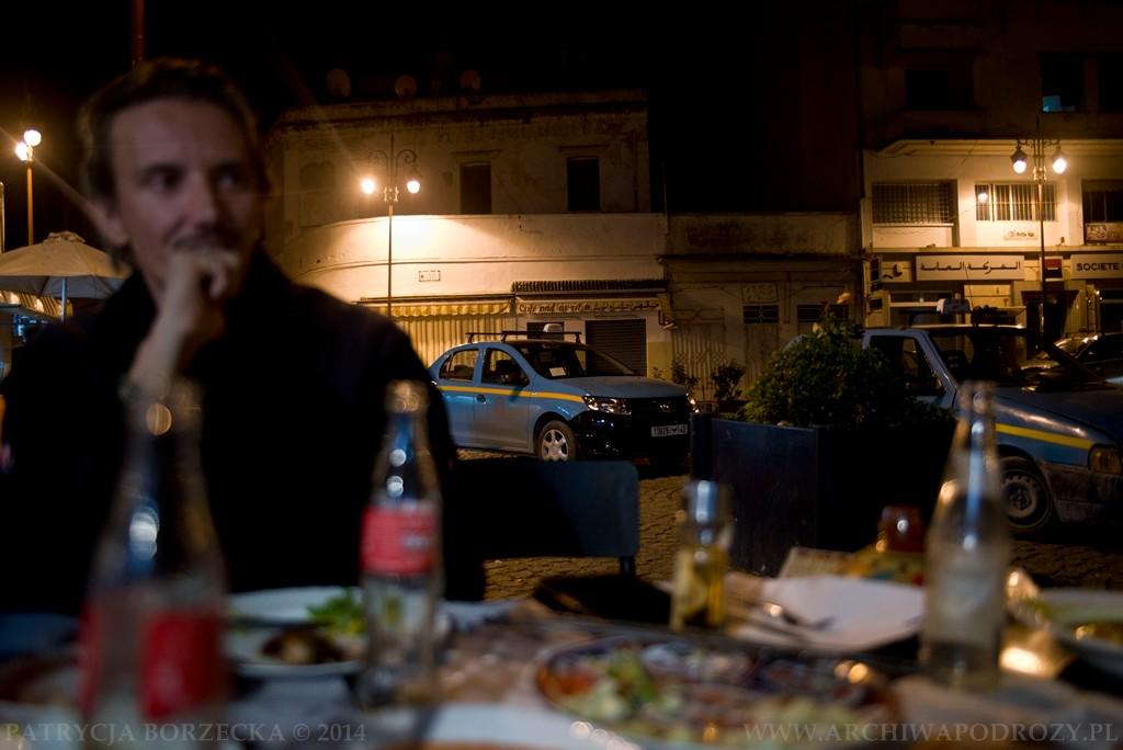 O niebieskich, oldschoolowych taksówkach i niezwykle sytym jedzeniu już nie wspominając.