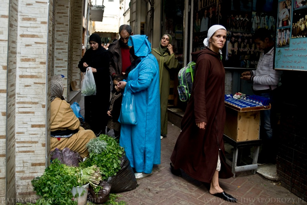 Wchodząc do mediny widzimy tradycyjną kulturę arabską.