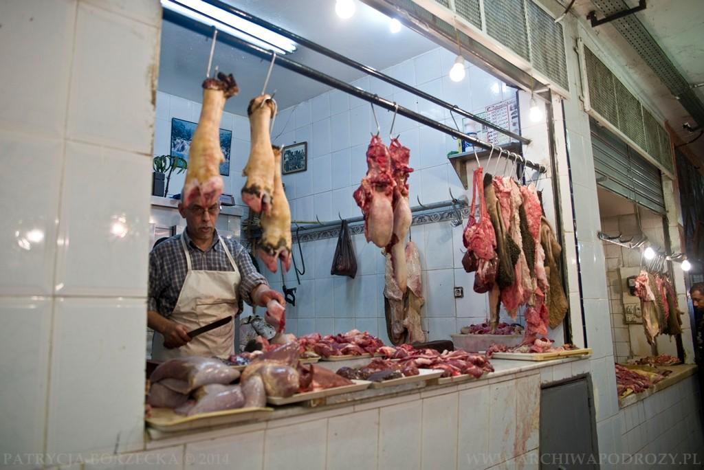 Podobnie wszędzie możemy spotkać stoiska z mięsem. Z tą zależnością, że ono już nie zawsze jest świeże i trzeba dwa razy pomyśleć nim się zdecyduje go spróbować.