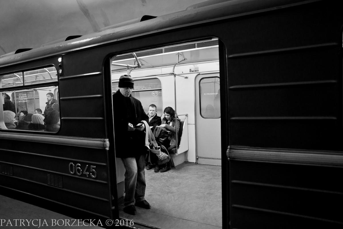 Patrycja-Borzecka-Photo-Moscow-Metro-01